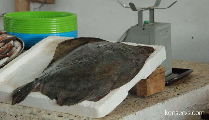 Камбала на рыбном рынке в Батуми