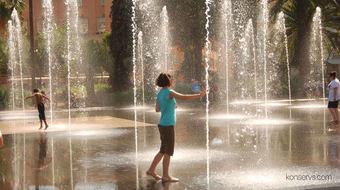 Весёлый фонтан в Ницце