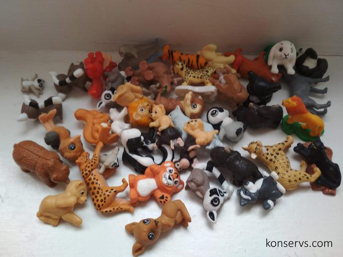Много игрушек из Киндер Сюрприза