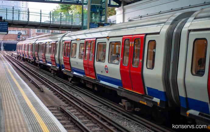 Станции лондонского метро бывают как подземные так и переоборудованные из вокзалов